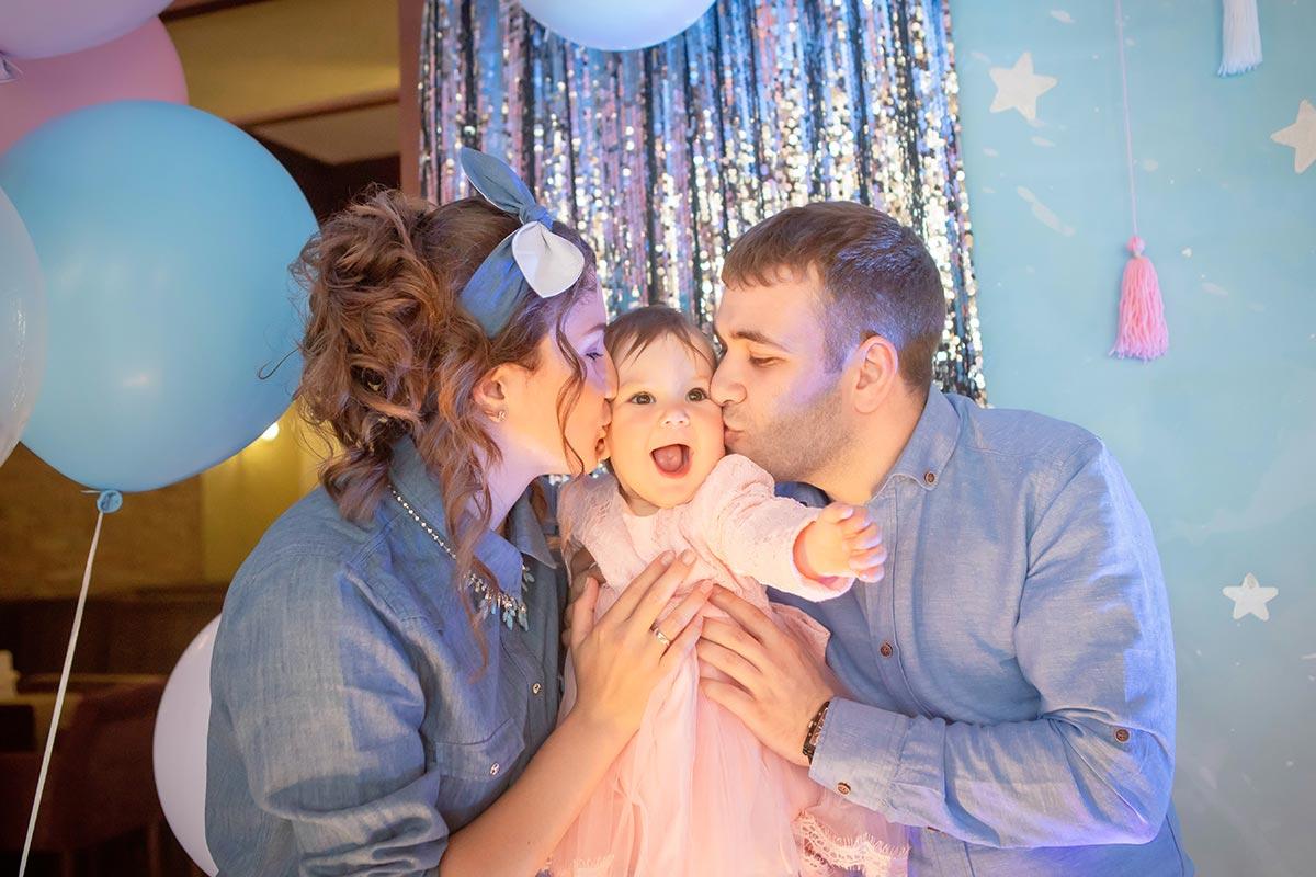Фотосъемка и фотозона на годик девочке